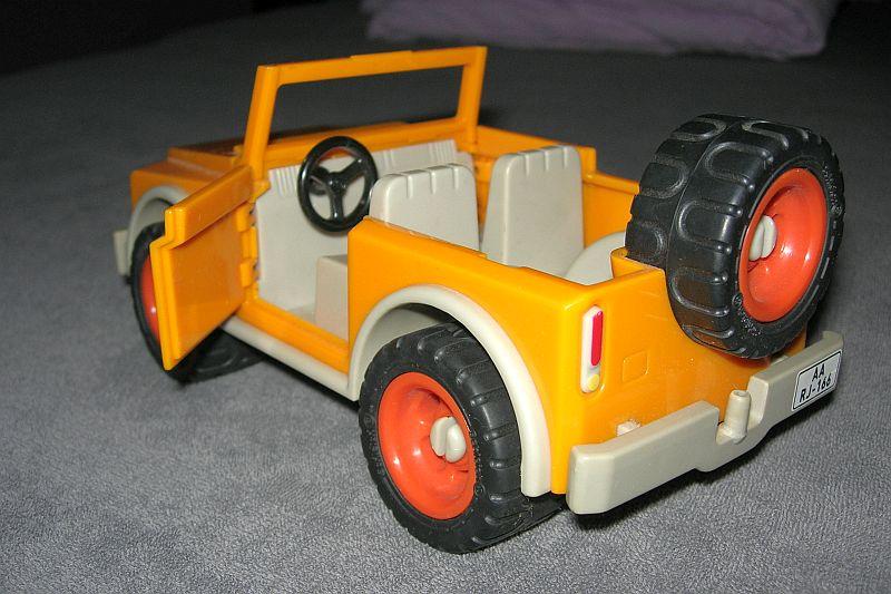 auto002.jpg